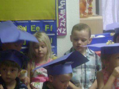 Elizabeth preschool graduation (20)