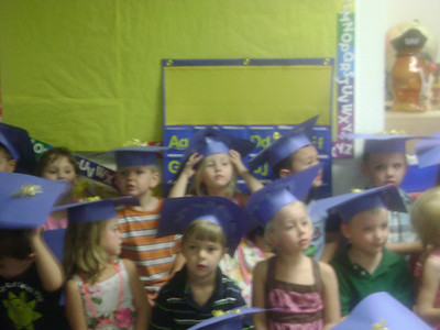 Elizabeth preschool graduation (12)