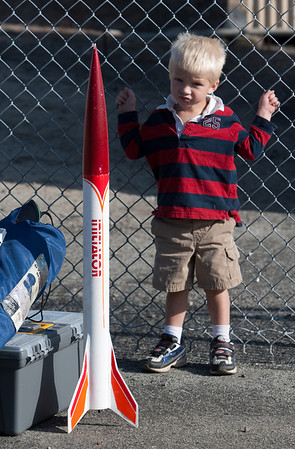 There was also a gathering of rocketry enthusiasts eager to fire off their homemade rockets from the area near the Flight Control Center.  Not everyone involved appeared to be  totally enthusiastic.
