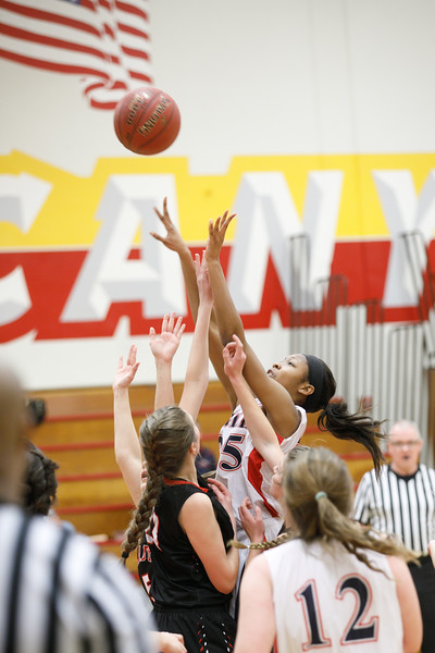 RCS-LadyEagles-Basketball-Jan-2017-012