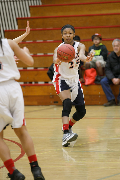 RCS-LadyEagles-Basketball-Jan-2017-004