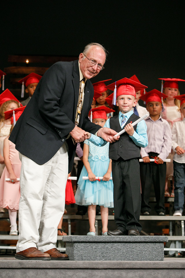 RCS-2017-KindergartenGraduation-046