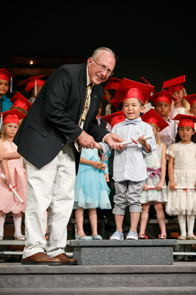 RCS-2017-KindergartenGraduation-051