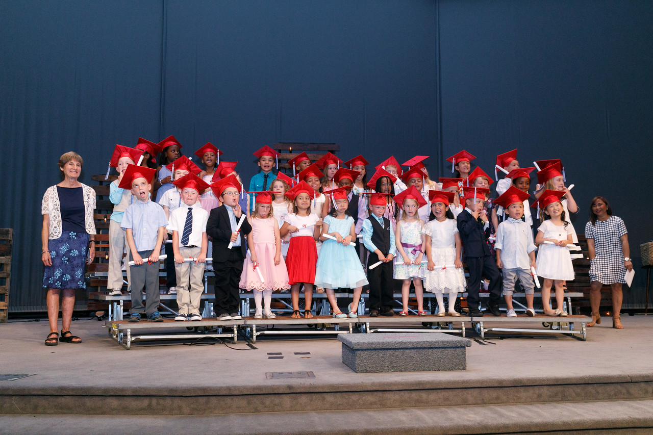 RCS-2017-KindergartenGraduation-054
