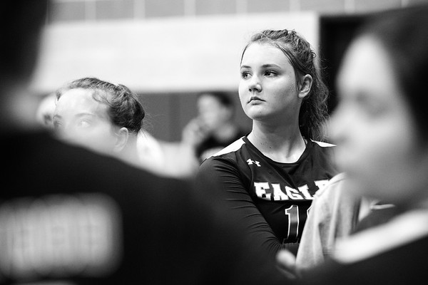 RCS-GirlsVarsityVBall-vs-StJoseph-Oct2018-008