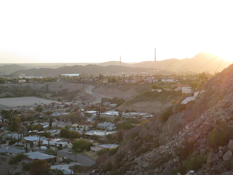 View looking toward the central/west part of El Paso from Scenic Drive.