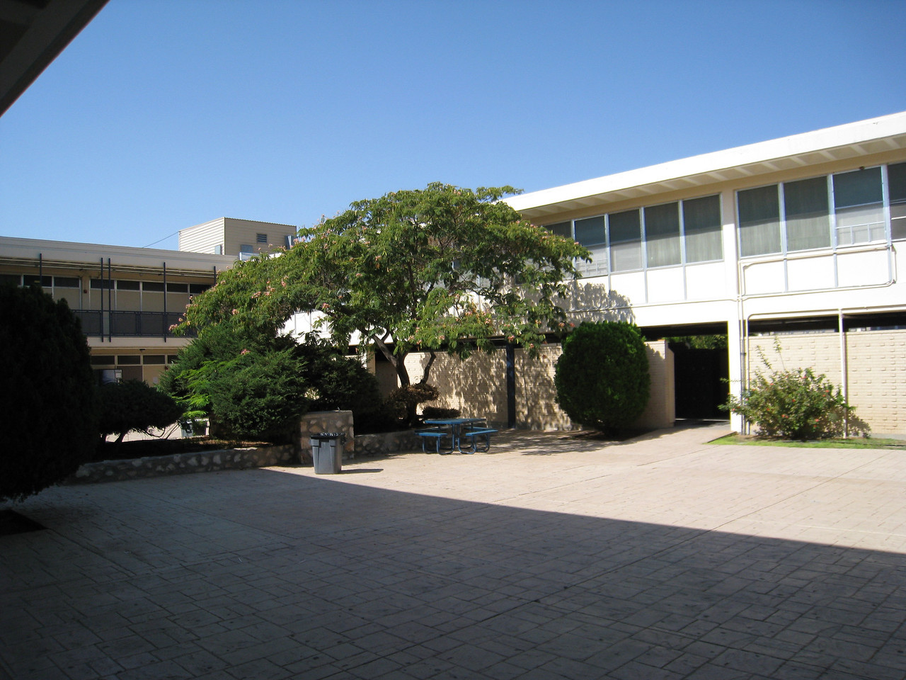 Coronado High School A building