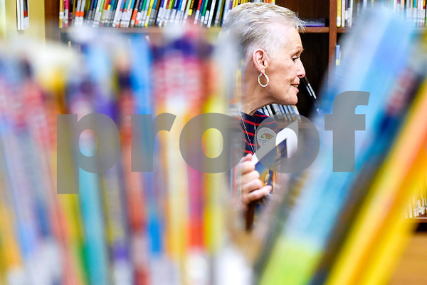 Sandra Byrd reads to students at Dixie Elementary School in Tyler, Texas, on March 20, 2017. Seniors from The Hamptons volunteered their time to read to the elementary schoolers to encourage reading. (Chelsea Purgahn/Tyler Morning Telegraph)