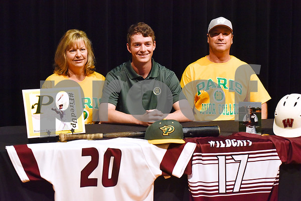 Brandon Rossiter, center, and family pose for a photo during signing day at Whitehouse High School in Whitehouse, Texas, on Tuesday, March 21, 2017. Rossiter will be playing baseball at Paris Junior College. (Chelsea Purgahn/Tyler Morning Telegraph)