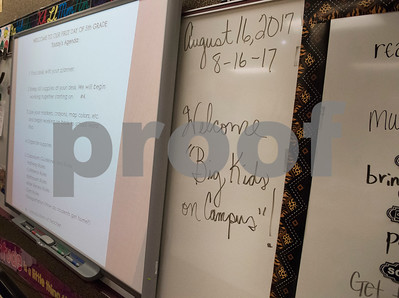 A note welcomes fifth graders to teacher Amy Cooksy's class on the first day of classes at Stanton-Smith Elementary School in Whitehouse Wednesday Aug. 16, 2017.   (Sarah A. Miller/Tyler Morning Telegraph)
