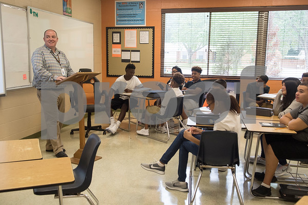 New teacher Jody Coward teaches eighth grade math on the first day of school at Hubbard Middle School in Tyler Monday Aug. 28, 2017.  (Sarah A. Miller/Tyler Morning Telegraph)