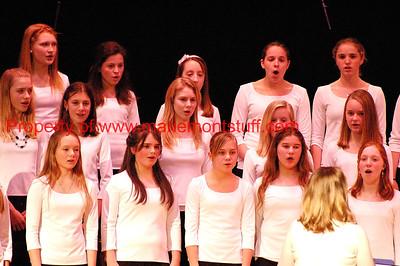 MJHS choral concert 04