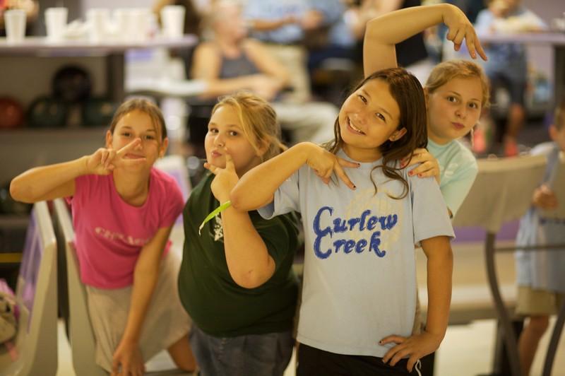 Bowling Lindsey, Casey, Lily & Kayley
