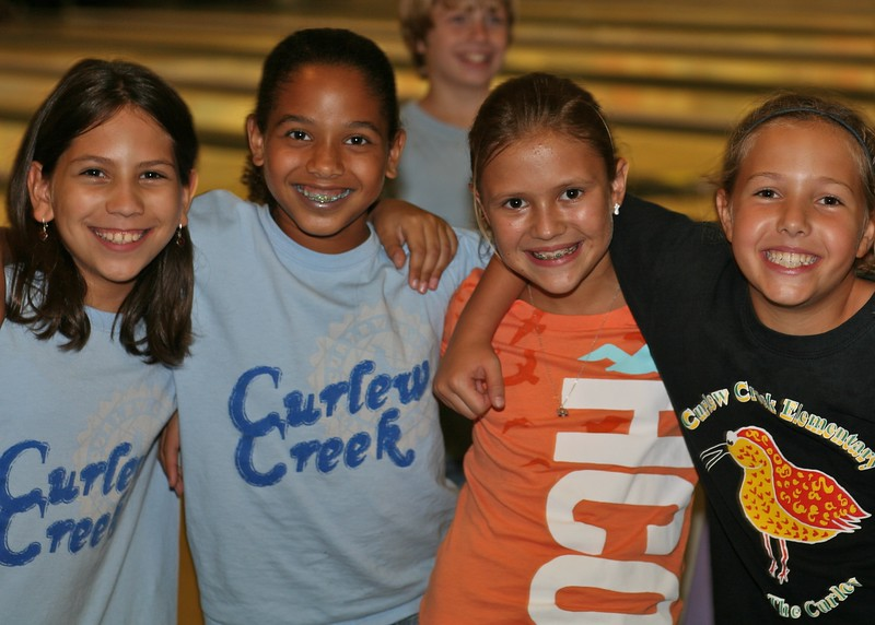 Bowling Valentina, Victoria, Sydney, Netanya