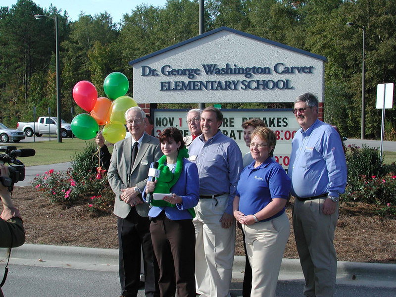 On location - The Bright Ideas Prize Team gathers at Carver Elementary School to play their role in the CEC Newscast.