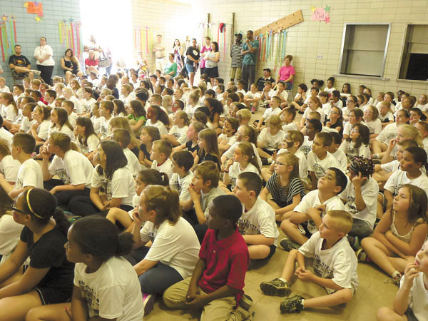 Debbie Wachter/NEWS<br /> Students of Thaddeus Stevens School gather for an assembly to learn about the history of the statesman at a closing ceremony of their school.