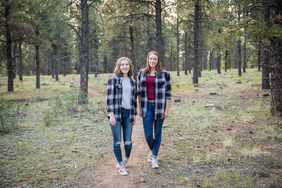 S E N I O R S | Class of 2019 Maddie and Izzy-7