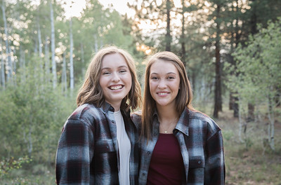 S E N I O R S | Class of 2019 Maddie and Izzy-2