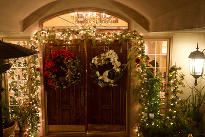 Wonderful decorations greeted arriving members and guests.