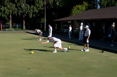 PALBC members warming up the green.