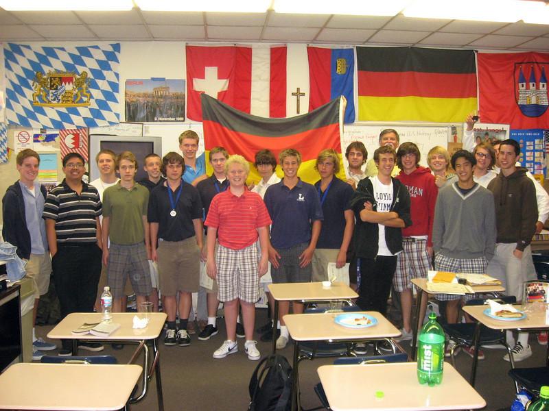One of final meetings of year, Thursday, May 21, 2009. Das ist der Deutschklub, obwohl wir heute Italienische Spiese gegessen haben. Macht's nichts.