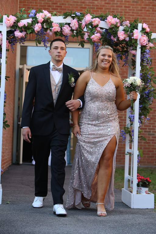 . Pre-prom procession at Dracut High School. (SUN/Julia Malakie)