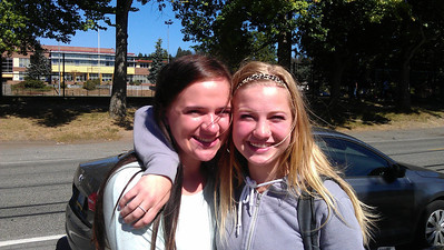 Stephanie and Bella 2012 - 1st day sophomore year