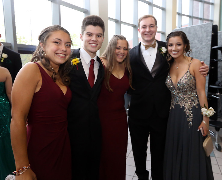 aac82c2e89a Groton-Dunstable pre-prom gathering at the high school. (SUN Julia