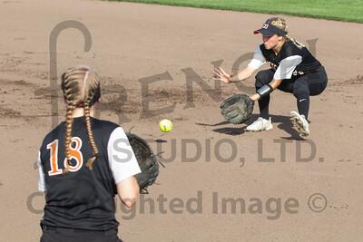032_Softball_Action_060216
