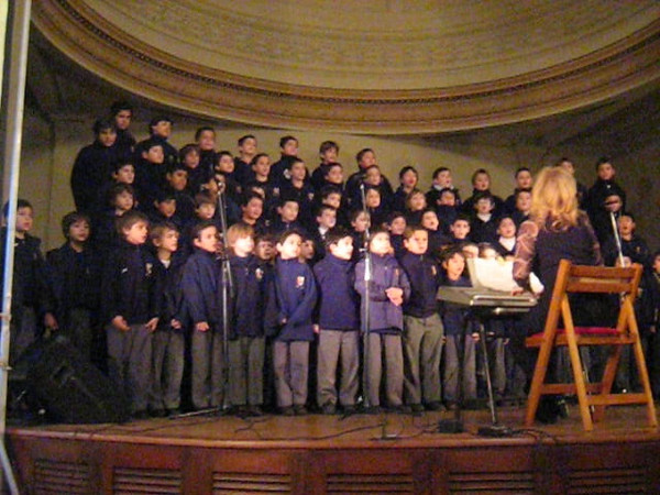Cub delegation among honored guests at morning celebration of Argentine Independence Day (actually July 9th) at Colegio del Savador. Wonderful singing by boys choir and quartet. There must be a special place in heaven for music teachers.  Friday, July 8, 2011