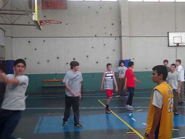 VID--Intense game of b-ball in CdS gym.