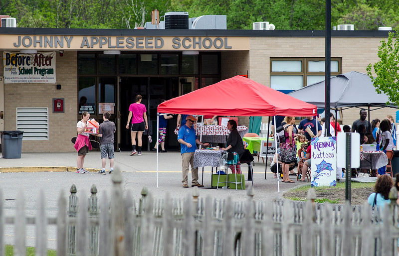 The Johnny Appleseed Lawn Party was held in Leominster on Saturday afternoon. Funds raised during the event go towards student activities throughout the year. SENTINEL & ENTERPRISE / Ashley Green
