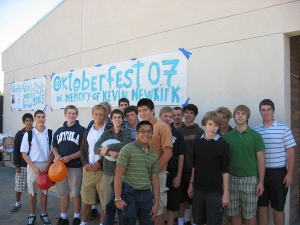 German II class helped set up the Commons for the fest.