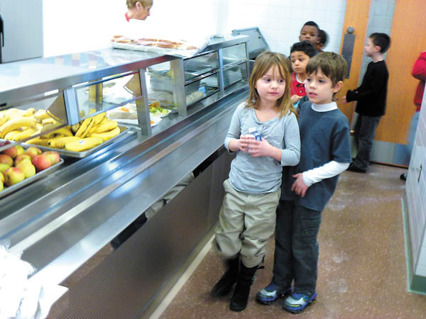 Debbie Wachter/NEWS<br /> Lockley kindergartners line up for lunch.
