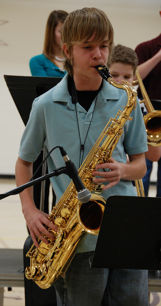 Jeremy plays a solo.
