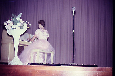 1956-10 - H'coming - Judy Speke at piano