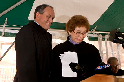 Mayor DeStefano congratulates Worthington Hooker principal Carol Kennedy during the groundbreaking ceremony for the new Hooker School 1/17/08.
