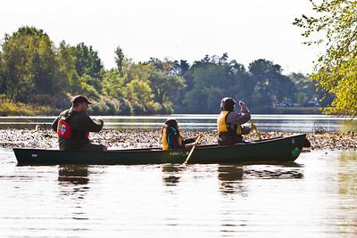 Barnard sixth graders canoes on the West River with Harry Coyle of the NH Parks Department.