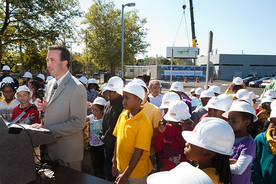 Rick Ross of the Connecticut Clean Energy Fund speaks during a press event for the installation of Roberto Clemente's fuel cell.