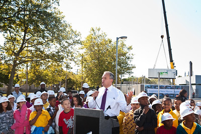 The Mayor speaks during a press event for the installation of Roberto Clemente's fuel cell.