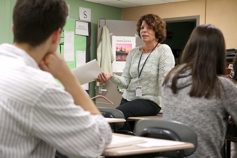 Oakmont Regional High School Spanish teacher Audrey Phelps teaches her Spanish 1 class on Monday afternoon. SENTINEL & ENTERPRISE/ JOHN LOVE