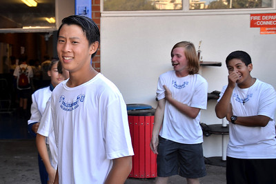 """ryan not too sure he like his new """"hairstyle"""". ray however seems to like it  alot. :)"""