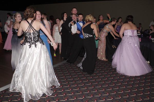 Mark Maynard | for The Herald Bulletin<br /> The Madison-Grant High School 2016 Prom.