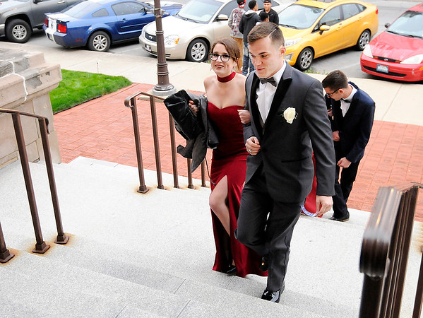 Don Knight | The Herald Bulletin<br /> Students arrive for APA's prom Saturday at The Anderson Center for the Arts.
