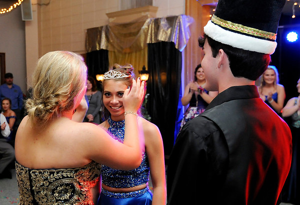 Don Knight   The Herald Bulletin<br /> Elwood held their prom at the Elks on Saturday.