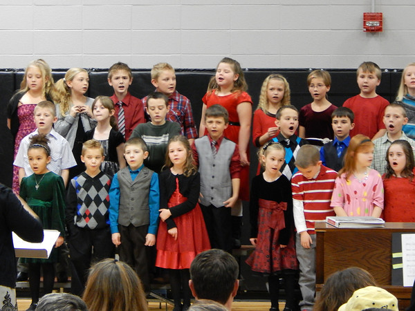 SDES 1-3 grades put on a Christmas concert on December 12, 2013.