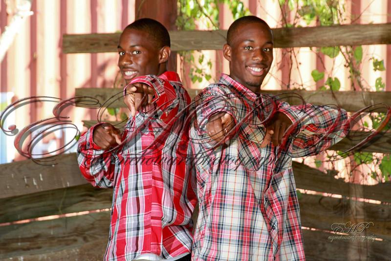 Twins 028