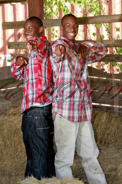 Twins 029
