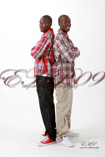 Twins 002