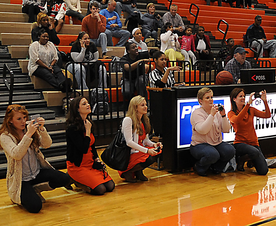 The Mauldin High School Student Council unveiled a check that they presented to Safe Harbor. The school celebrated Spirit Week with a full week of fundraisers for their charity. The check was presented at the Mauldin vs. Byrnes basketball game.<br /> GWINN DAVIS PHOTOS<br /> gwinndavisphotos.com (website)<br /> (864) 915-0411 (cell)<br /> gwinndavis@gmail.com  (e-mail) <br /> Gwinn Davis (FaceBook)